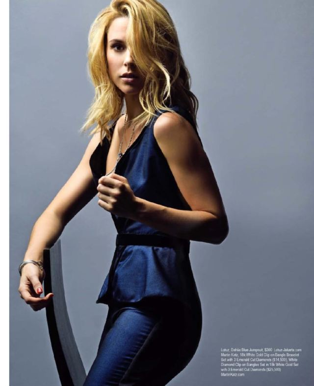 Alona Tal awesome pic
