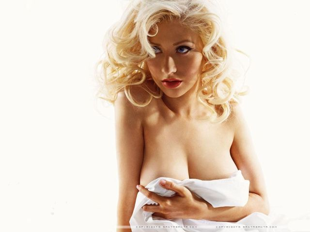 christina aguilera blonde hair