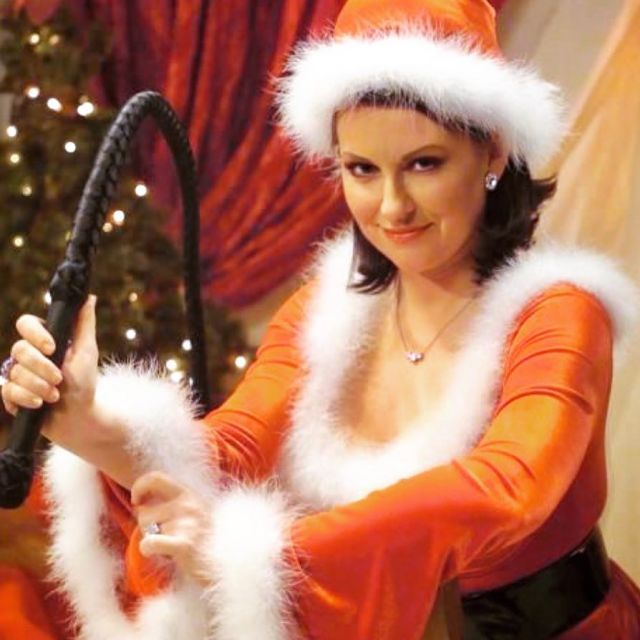 megan mullally awesome look