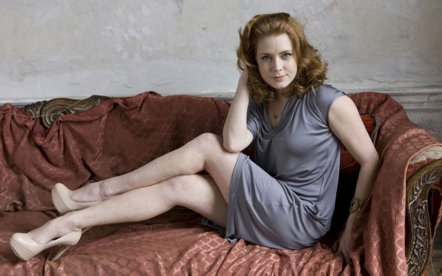 Amy Adams hot and sexy thighs