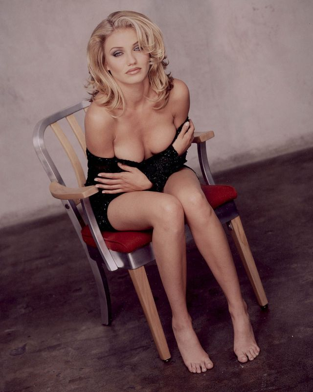Cameron Diaz hot clevage