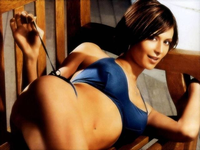 Catherine Bell Sexy Pictures
