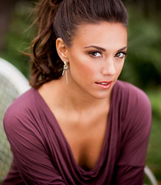 Jana Kramer Sexy Boobs