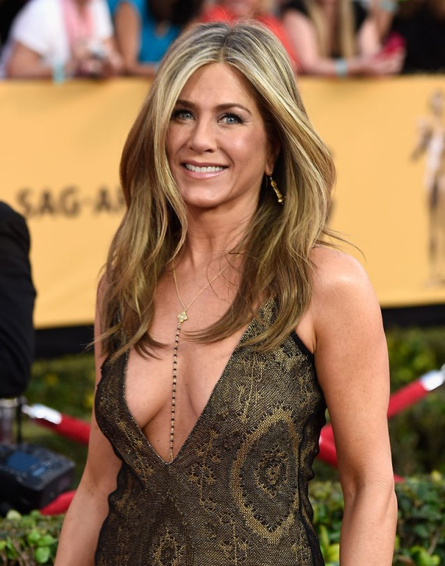 Jennifer Aniston Sexy Boobs