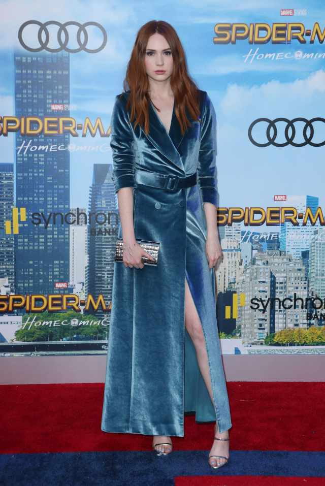 Karen Gillan feet beautiful photos
