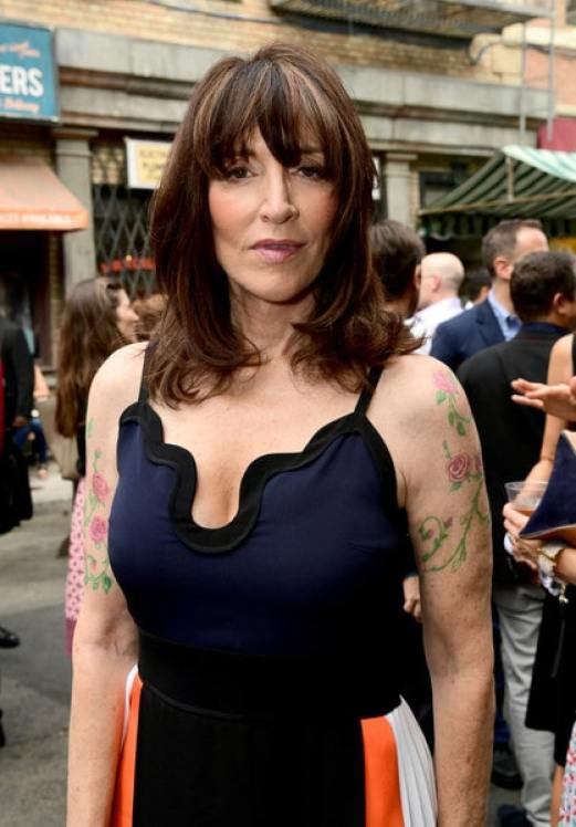 Katey Sagal cleavages awesome pic