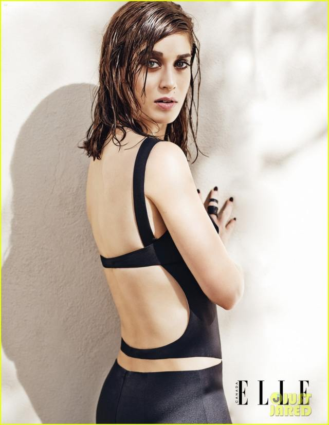 Lizzy Caplan Sexy Back