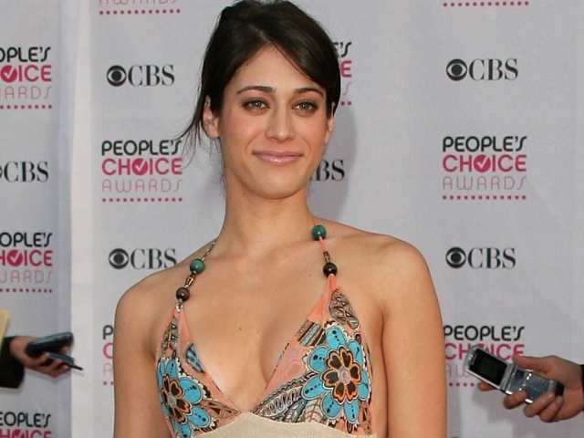 Lizzy Caplan on People Choice