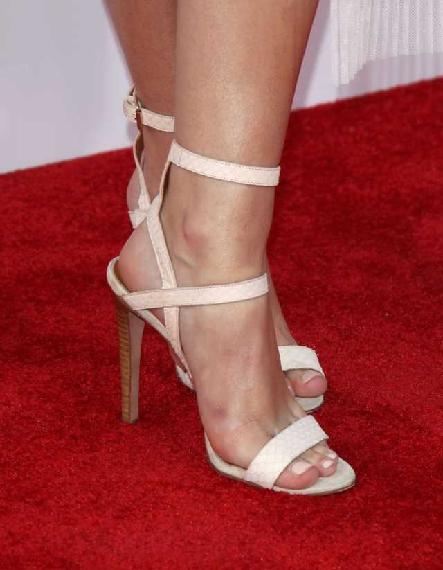 Olivia Holt Sexy Feet Picture