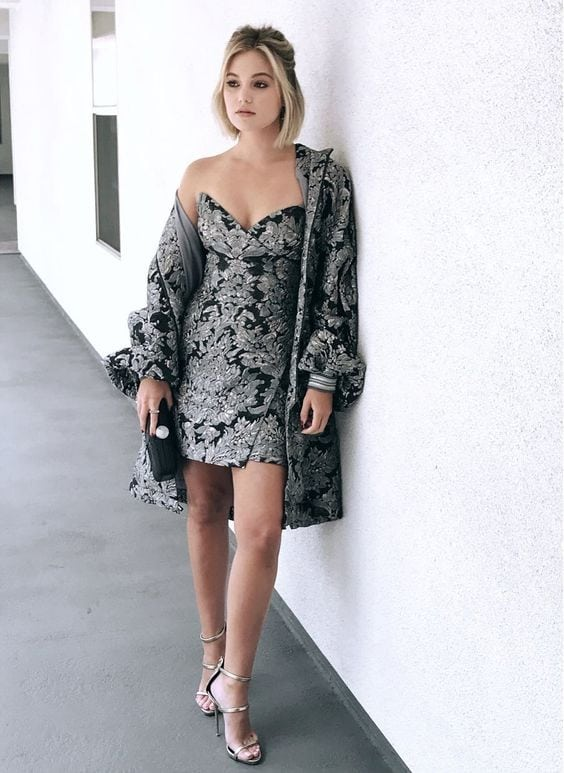 Olivia Holt thighs and cleavage