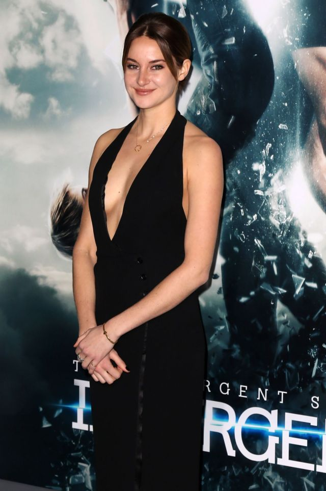 Shailene Woodley cleavages sexy