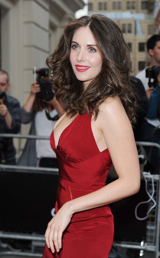 alison brie red dress