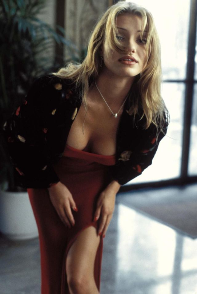 cameron diaz cleavages sexy