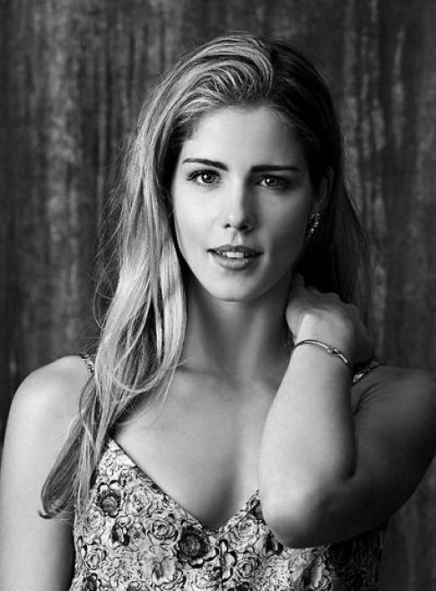 emily bett hot cleavages