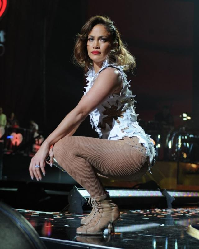 jennifer lopez feet