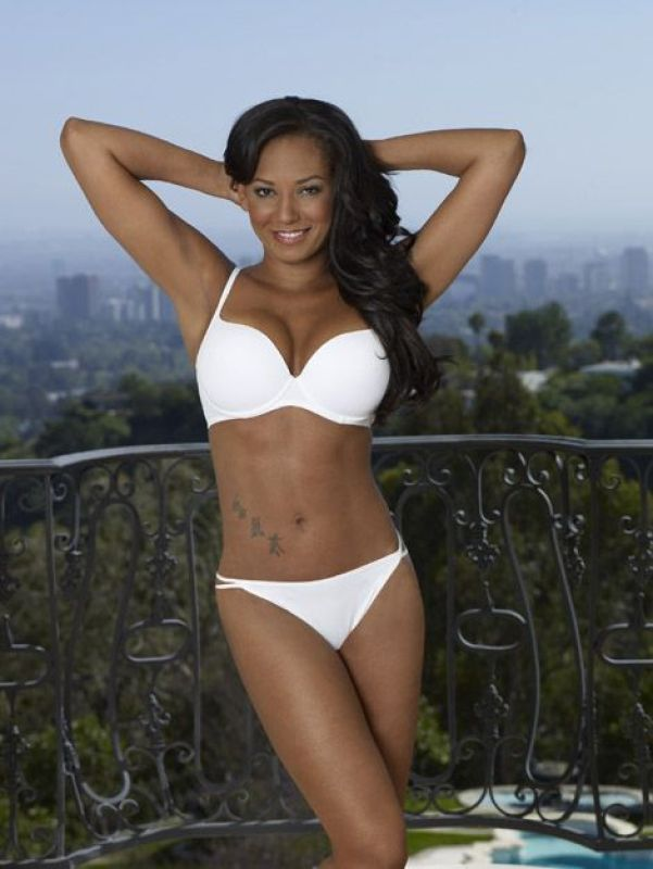 mel b sexy cleavages pictures