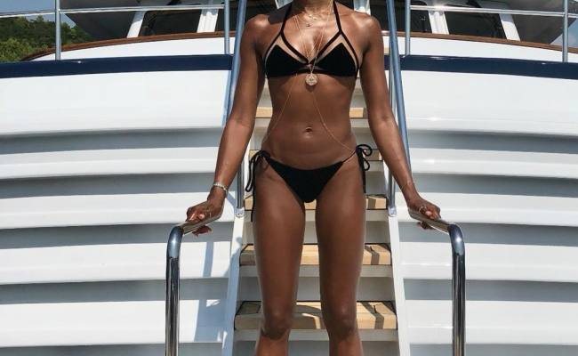 49 Hot Pictures Of Naomi Campbell Unravels Her Amazingly