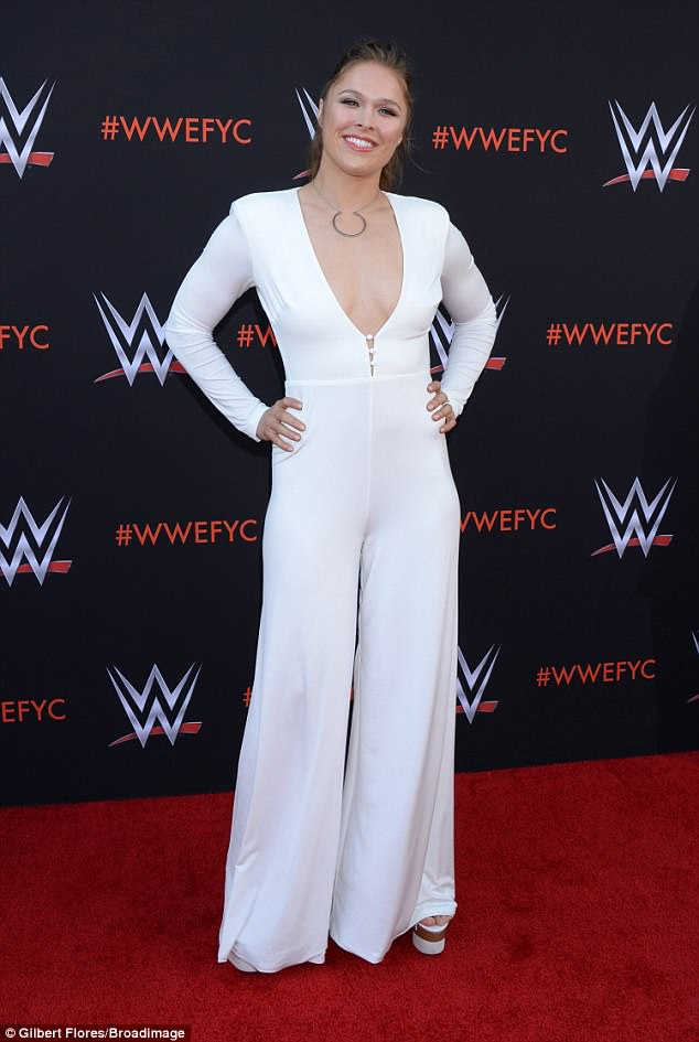 ronda rousey cleavage