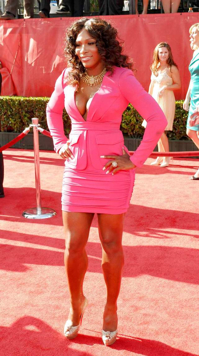 serena williams beautiful feet pictures