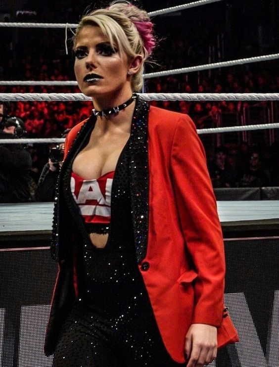 Alexa Bliss cleavages