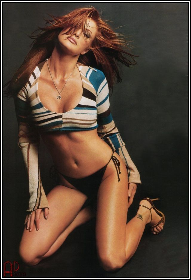 Angie Everhart hot thighs