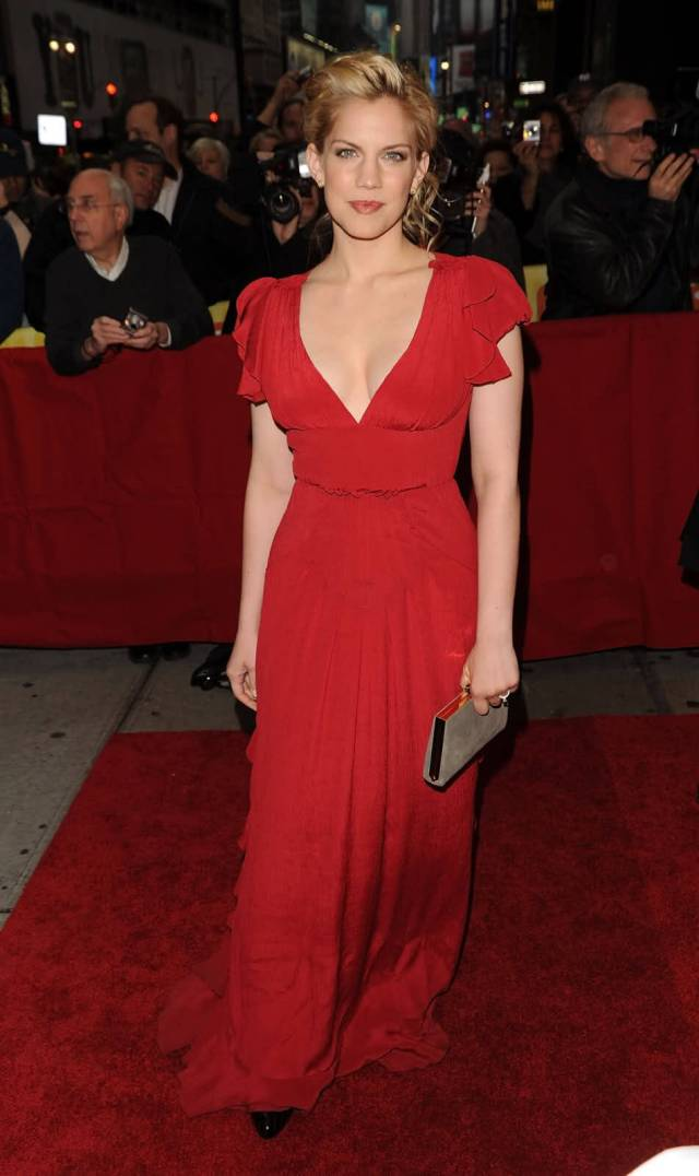 Anna Chlumsky red hot