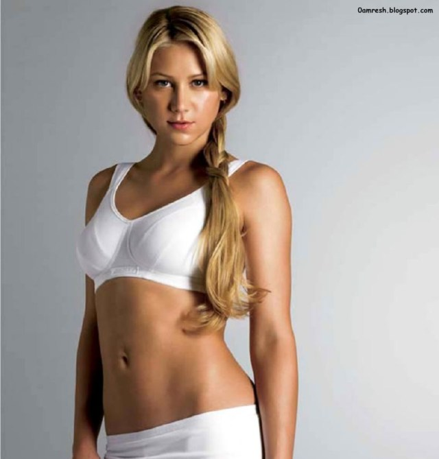 Anna Kournikova sexy lady photo