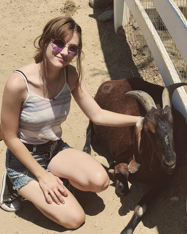 Aubrey Peeples awesome thighs