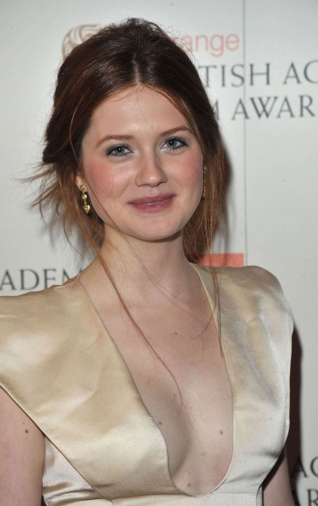 Bonnie Wright too hot picture