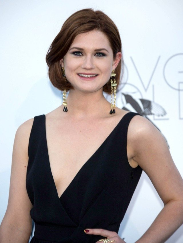 Bonnie Wright very sexy pic