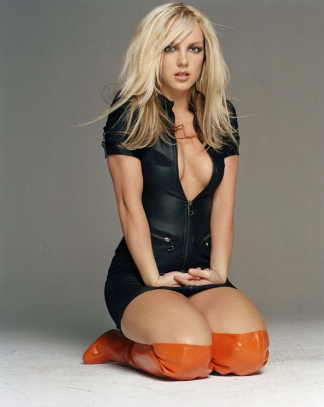 Britney Spears hot cleavage
