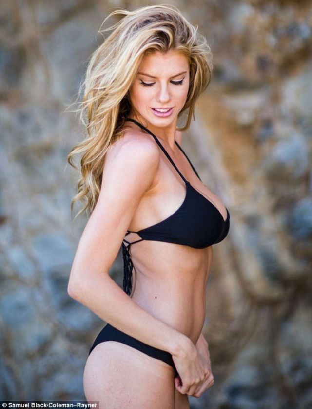 Charlotte McKinney hot boobs photo
