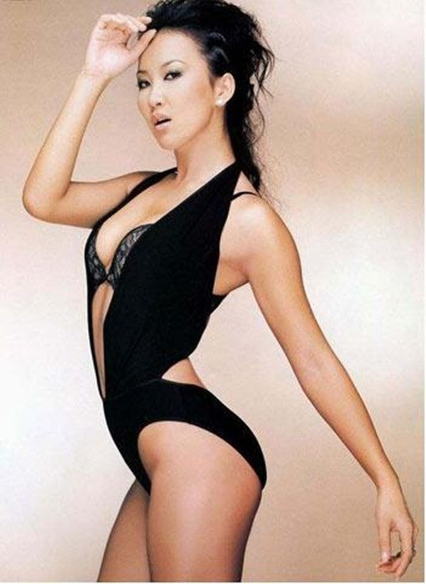 Coco Lee Hot in Black