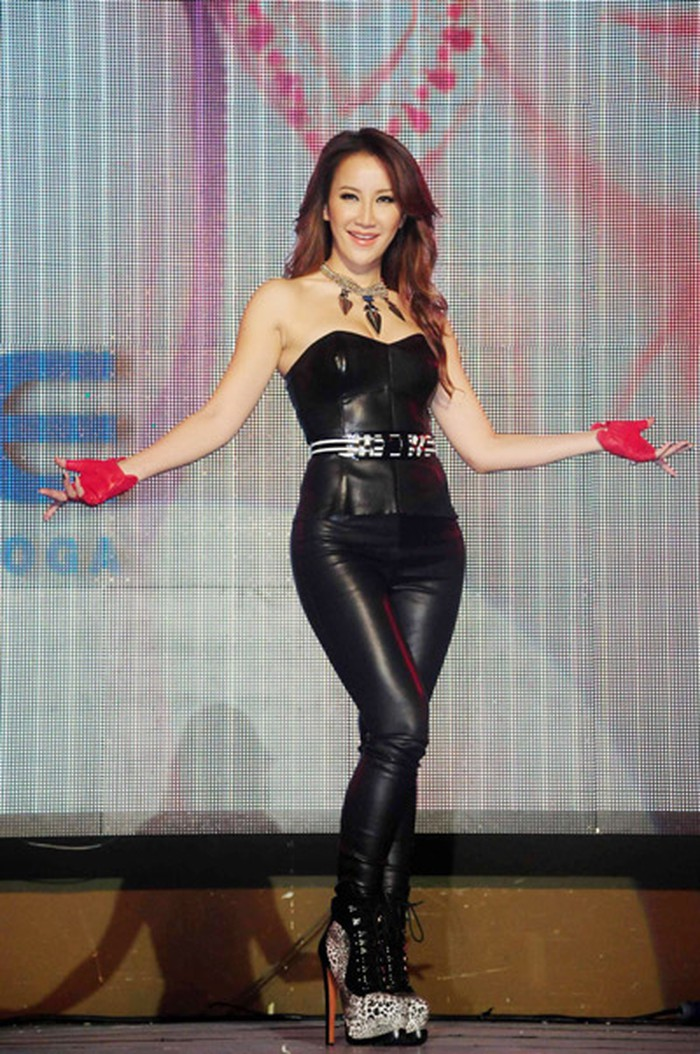 Pretty Wallpapers For Fall 49 Hot Pictures Of Coco Lee Are Just Too Damn Sexy