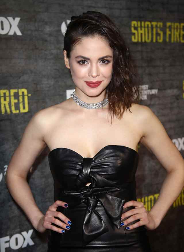 Conor Leslie beautiful picture