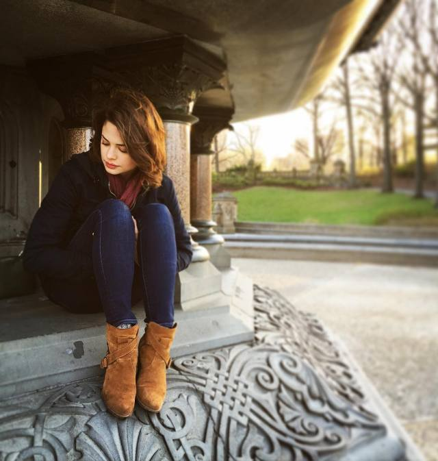 Conor Leslie sexy lady photo