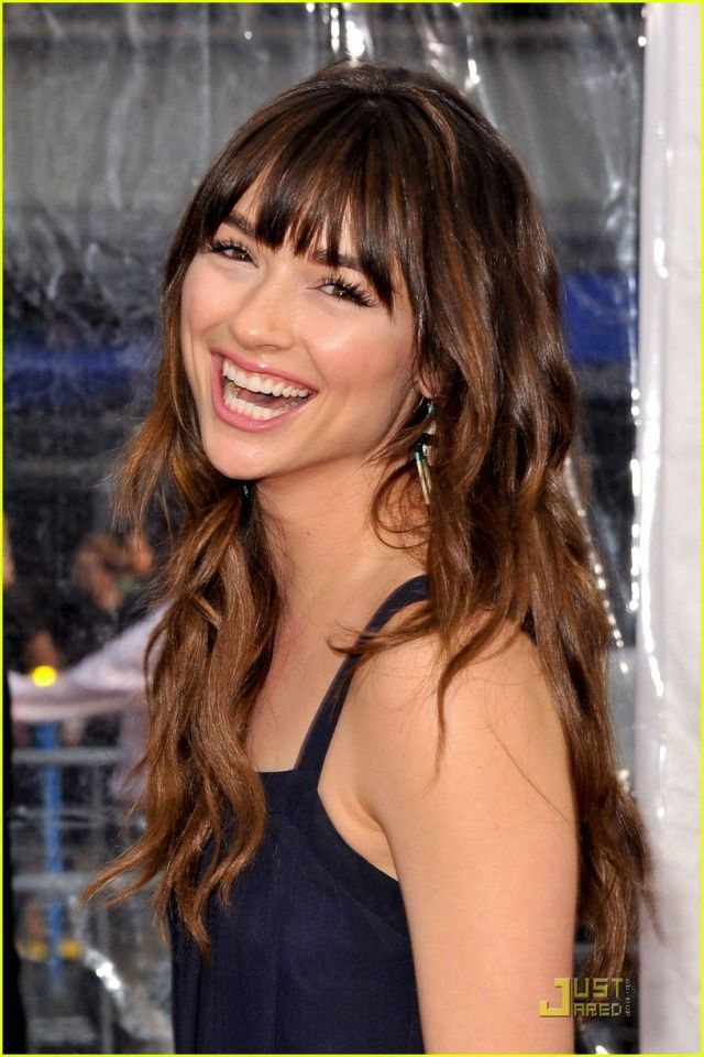 Crystal Reed hot picture