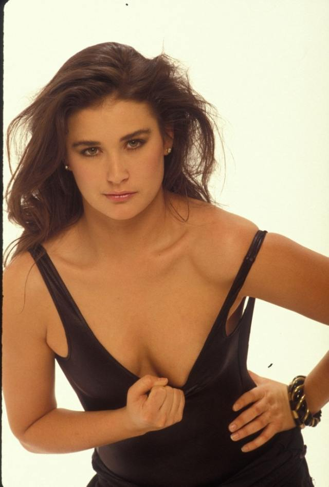 Demi Moore cleavages sexy pic