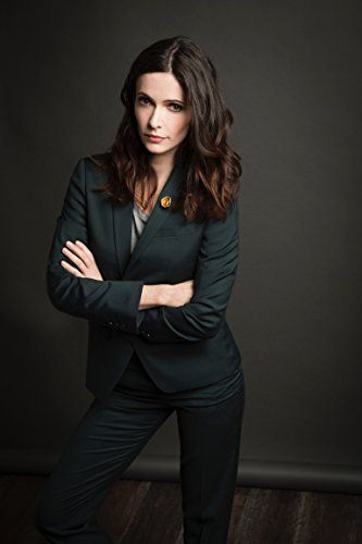 Elizabeth Tulloch Hot in Black Blazer