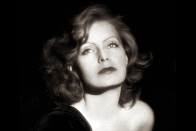 Greta Garbo sexy cleavages (2)