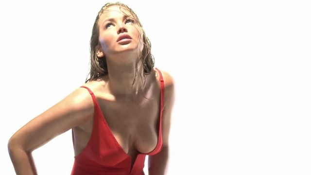 Jennifer Lawrence cleavages hot