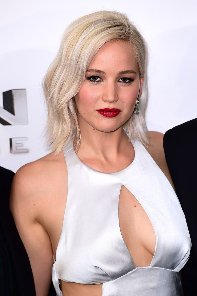 Jennifer Lawrence cleavages pic