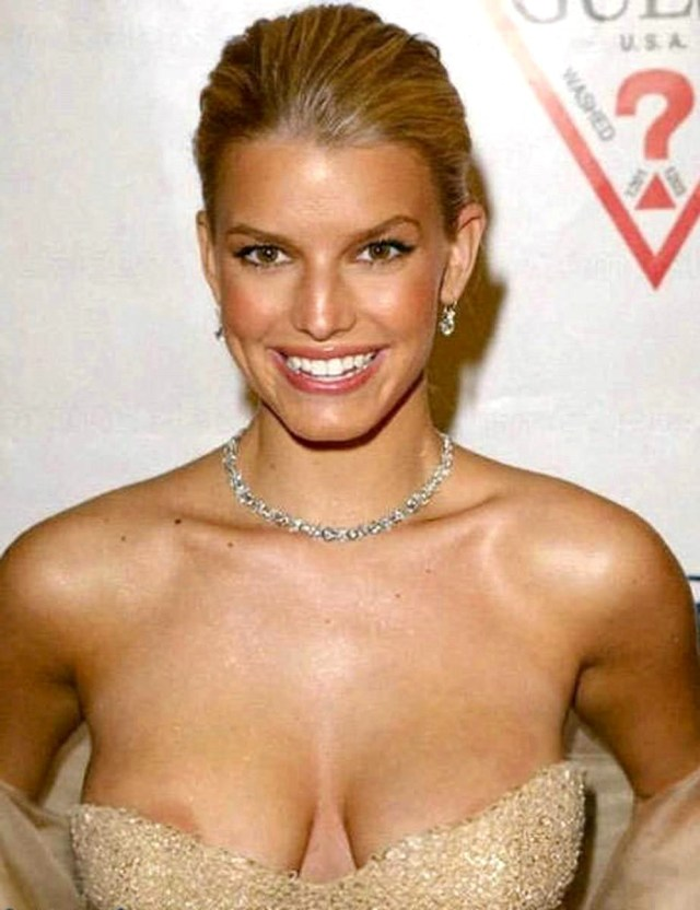 Jessica Simpson Sexy Boobs Pictures on Party