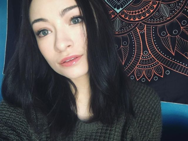 Jodelle Ferland hot and sexy pic