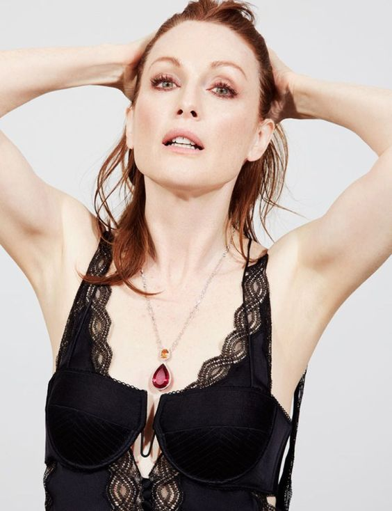 Julianne Moore very hot picture