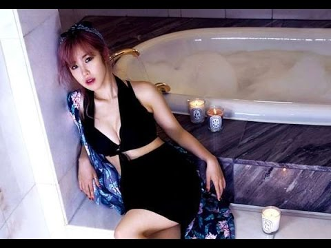 Jun Hyo-seong hot lady pic