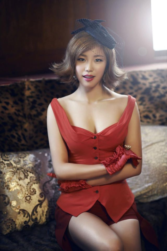 Jun Hyo-seong hot women photo