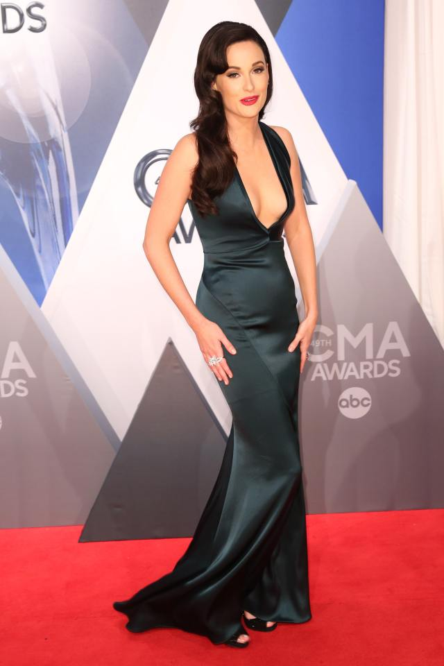 Kacey Musgraves cleavages awesome
