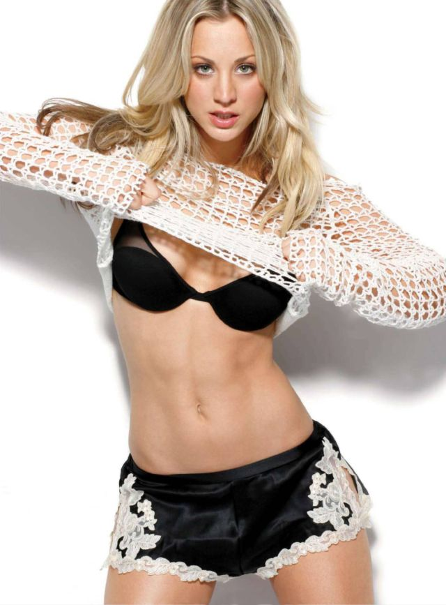 Kaley Cuoco too sexy in black