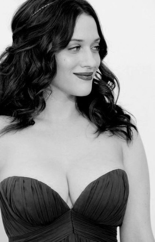 Kat Dennings sexy boobs photo
